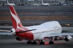 鷹輝@SKY TEAMさんが、羽田空港で撮影したカンタス航空 747-438の航空フォト(写真)