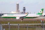 ばっきーさんが、成田国際空港で撮影したエバー航空 A321-211の航空フォト(写真)