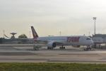 ステラさんが、パリ シャルル・ド・ゴール国際空港で撮影したラタム・エアラインズ・ブラジル A350-900の航空フォト(写真)