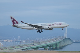 FRTさんが、関西国際空港で撮影したカタール航空 A330-202の航空フォト(飛行機 写真・画像)