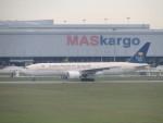 きゃみさんが、クアラルンプール国際空港で撮影したサウディア 777-268/ERの航空フォト(写真)
