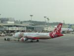 きゃみさんが、シンガポール・チャンギ国際空港で撮影したエアアジア A320-216の航空フォト(写真)