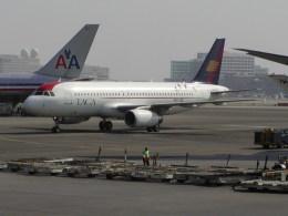ロサンゼルス国際空港 - Los Angeles International Airport [LAX/KLAX]で撮影されたロサンゼルス国際空港 - Los Angeles International Airport [LAX/KLAX]の航空機写真
