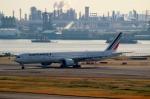 ハピネスさんが、羽田空港で撮影したエールフランス航空 777-328/ERの航空フォト(写真)