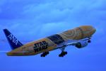 AkiChup0nさんが、那覇空港で撮影した全日空 777-281/ERの航空フォト(写真)