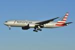 よしポンさんが、成田国際空港で撮影したアメリカン航空 777-223/ERの航空フォト(写真)