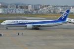 amagoさんが、福岡空港で撮影した全日空 767-381の航空フォト(写真)
