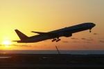 木人さんが、那覇空港で撮影した全日空 777-381の航空フォト(写真)