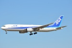 amagoさんが、成田国際空港で撮影した全日空 767-381/ERの航空フォト(写真)