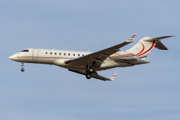 LAX Spotterさんが、ロサンゼルス国際空港で撮影したLK Air Inc BD-700-1A11 Global 5000の航空フォト(写真)