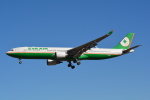 LEGACY-747さんが、成田国際空港で撮影したエバー航空 A330-302の航空フォト(写真)