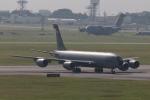 木人さんが、嘉手納飛行場で撮影したアメリカ空軍 KC-135R Stratotanker (717-148)の航空フォト(写真)
