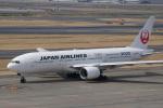 神宮寺ももさんが、羽田空港で撮影した日本航空 777-246の航空フォト(写真)