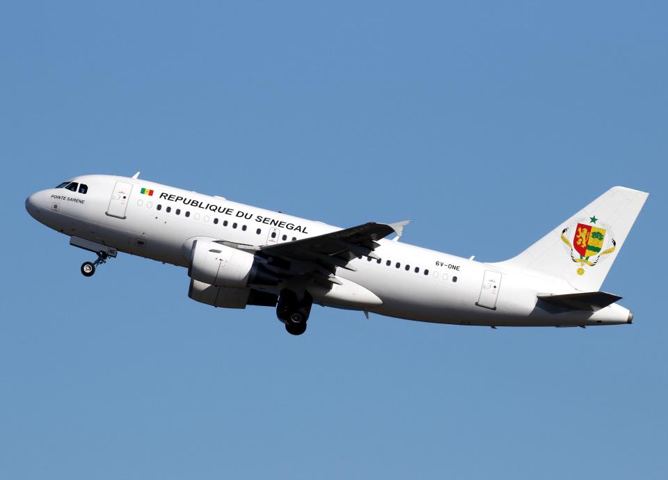 voyagerさんのセネガル政府 Airbus A319 (6V-ONE) 航空フォト