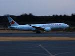アイスコーヒーさんが、成田国際空港で撮影したエア・カナダ 777-233/LRの航空フォト(写真)