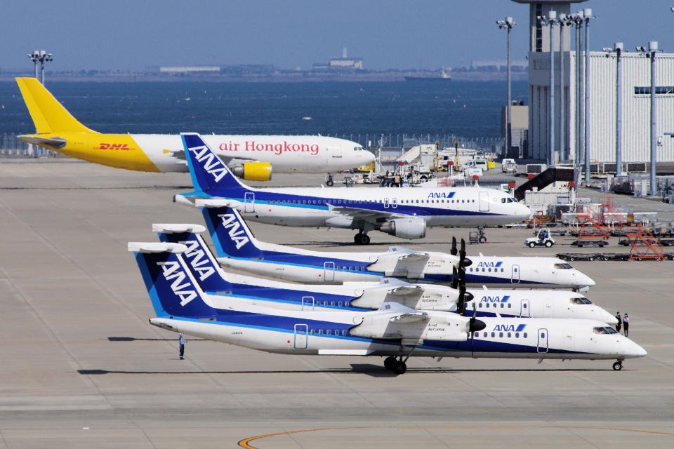 yabyanさんのエアーニッポンネットワーク Bombardier DHC-8-400 (JA841A) 航空フォト
