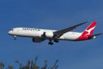 LAX Spotterさんが、ロサンゼルス国際空港で撮影したカンタス航空 787-9の航空フォト(写真)
