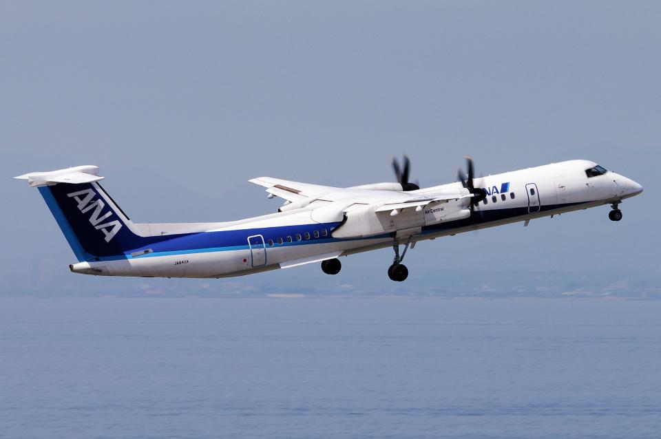 yabyanさんのエアーニッポンネットワーク Bombardier DHC-8-400 (JA842A) 航空フォト