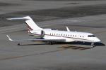 Echo-Kiloさんが、羽田空港で撮影したネットジェット・インターナショナル BD-700-1A10 Global 6000の航空フォト(写真)