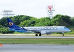 じーく。さんが、那覇空港で撮影したマンダリン航空 ERJ-190-100 IGW (ERJ-190AR)の航空フォト(飛行機 写真・画像)
