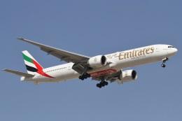 航空フォト:A6-EBK エミレーツ航空 777-300
