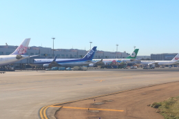 dianaさんが、台湾桃園国際空港で撮影した全日空 767-381/ERの航空フォト(飛行機 写真・画像)