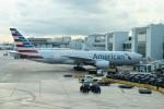 こじゆきさんが、マイアミ国際空港で撮影したアメリカン航空 777-223/ERの航空フォト(写真)
