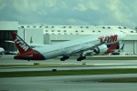 こじゆきさんが、マイアミ国際空港で撮影したTAM航空 777-32W/ERの航空フォト(写真)