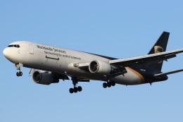 ドラパチさんが、成田国際空港で撮影したUPS航空 767-34AF/ERの航空フォト(写真)