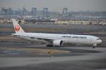 Izumixさんが、羽田空港で撮影した日本航空 777-346/ERの航空フォト(写真)