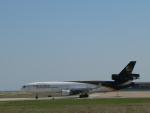 M.Ochiaiさんが、ダラス・フォートワース国際空港で撮影したUPS航空 MD-11Fの航空フォト(写真)