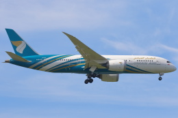 安芸あすかさんが、スワンナプーム国際空港で撮影したオマーン航空 787-8 Dreamlinerの航空フォト(飛行機 写真・画像)