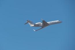 KKiSMさんが、成田国際空港で撮影したイギリス個人所有 G-V-SP Gulfstream G550の航空フォト(飛行機 写真・画像)