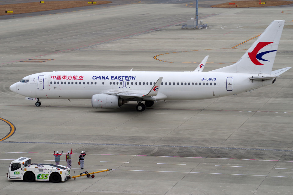 yabyanさんの中国東方航空 Boeing 737-800 (B-5689) 航空フォト