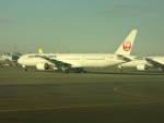 ただのまっさーさんが、羽田空港で撮影した日本航空 777-346の航空フォト(写真)