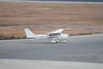 kumagorouさんが、神戸空港で撮影した日本法人所有 172S Skyhawk SPの航空フォト(写真)