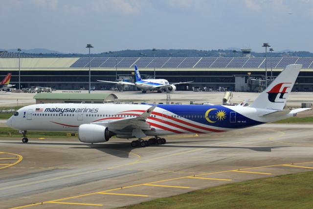 マレーシア航空 Airbus A350-900...