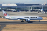 VEZEL 1500Xさんが、羽田空港で撮影した日本航空 777-246/ERの航空フォト(写真)
