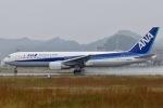 眠たいさんが、松山空港で撮影した全日空 767-381の航空フォト(写真)