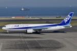 眠たいさんが、羽田空港で撮影した全日空 767-381の航空フォト(写真)