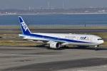 眠たいさんが、羽田空港で撮影した全日空 777-381の航空フォト(写真)