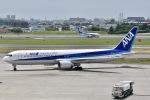 眠たいさんが、伊丹空港で撮影した全日空 767-381の航空フォト(写真)