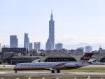 kikiさんが、台北松山空港で撮影した遠東航空 MD-82 (DC-9-82)の航空フォト(写真)