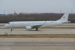 PASSENGERさんが、北京首都国際空港で撮影したアメリカ個人所有 ERJ-190-100 ECJ (Lineage 1000)の航空フォト(飛行機 写真・画像)