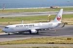 眠たいさんが、関西国際空港で撮影した日本航空 737-846の航空フォト(写真)