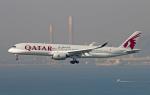 Asamaさんが、香港国際空港で撮影したカタール航空 A350-941XWBの航空フォト(写真)