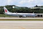 もぐ3さんが、那覇空港で撮影した中国国際航空 737-89Lの航空フォト(写真)