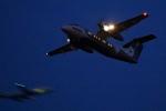 中村 昌寛さんが、新千歳空港で撮影したオーロラ DHC-8-200Q Dash 8の航空フォト(写真)