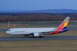 中村 昌寛さんが、新千歳空港で撮影したアシアナ航空 767-38Eの航空フォト(写真)
