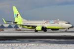 Bowenさんが、新千歳空港で撮影したジンエアー 737-8Q8の航空フォト(写真)